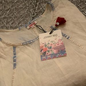 JOHNNY WAS embroidered shirt. Size small.